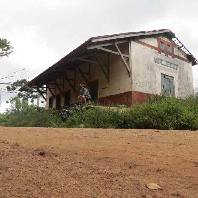 Antiga estação de Silviano Brandão